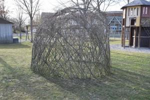 Bau eines Weidentipis im Kinderhort am 11.03.2017